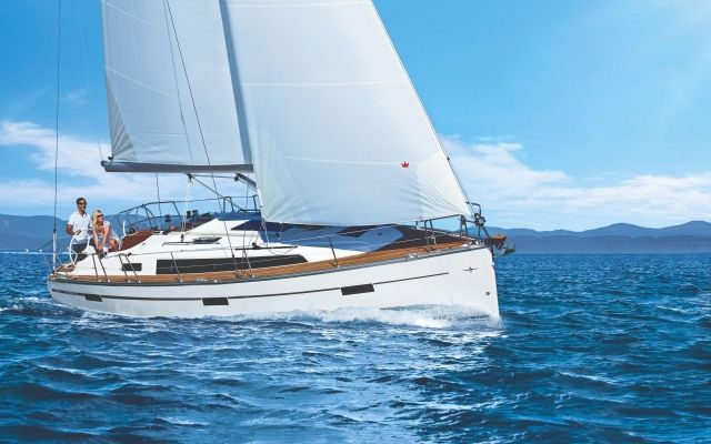 Bavaria Cruiser 37 Blue Edition