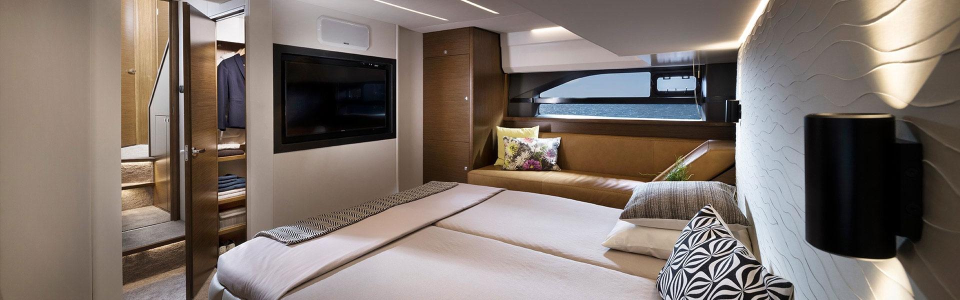Bavaria Yachts R55 Master Cabin