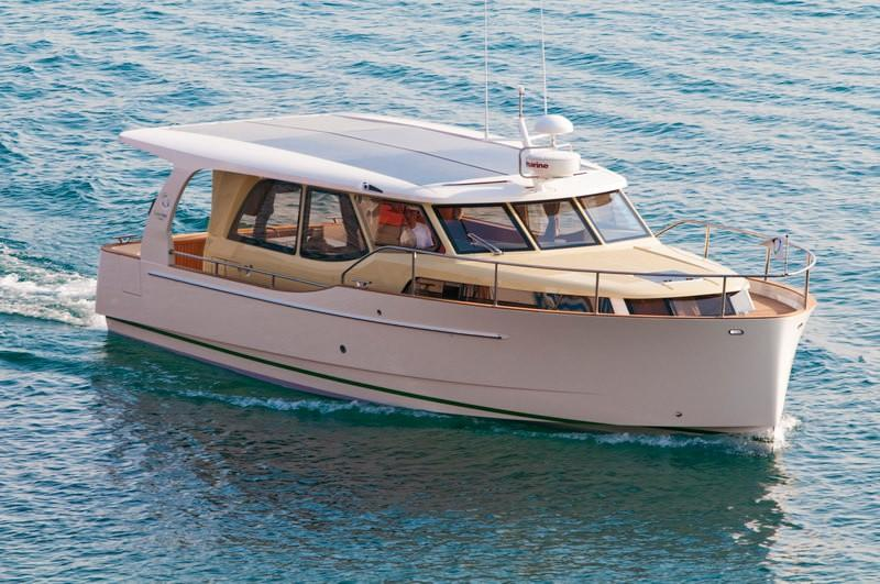 2021 Greenline 33 for sale in Gosport by Clipper Marine Spain