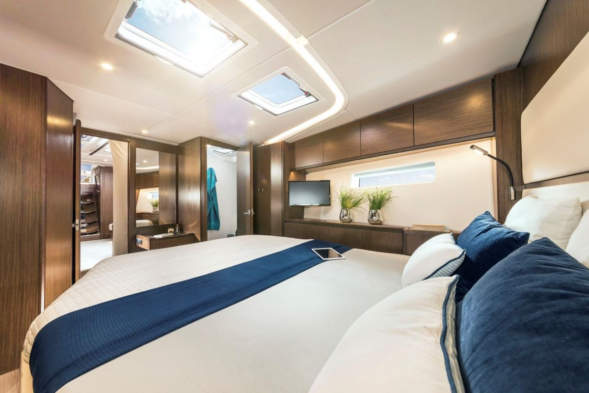 2020 Bavaria C57 Owner´s cabin like a suite, and what else? - brochure photo