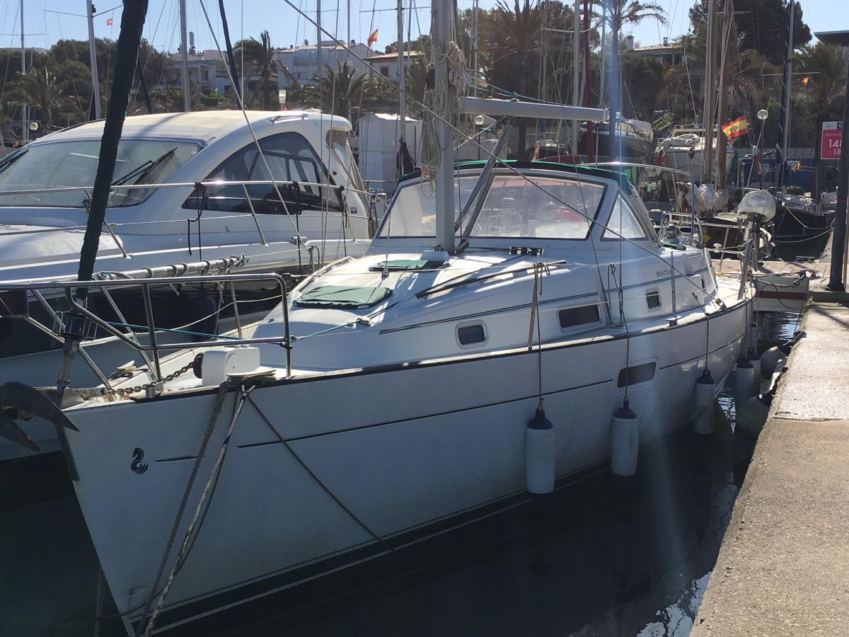 2001 Beneteau Oceanis 36 CC for sale in Palma de Mallorca by Clipper Marine Spain