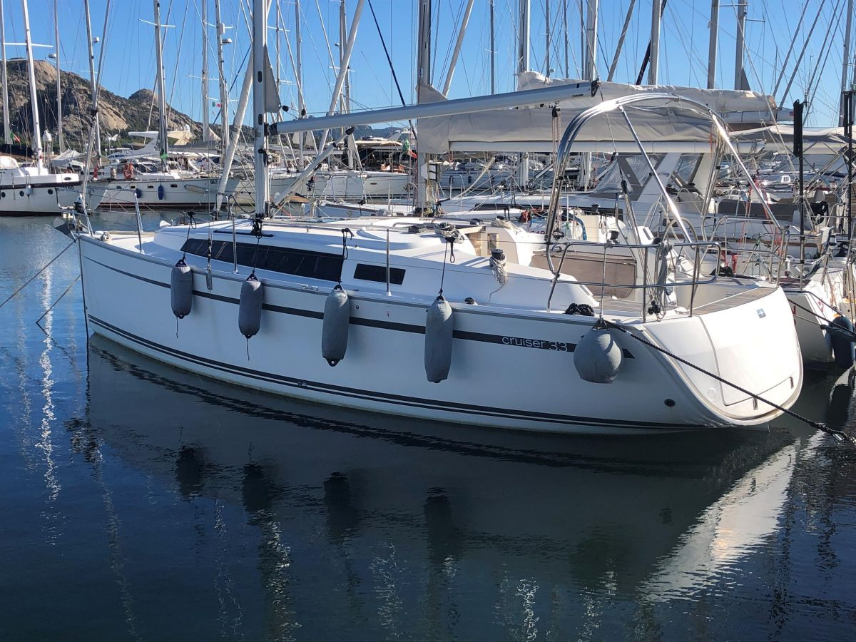 2014 Bavaria Cruiser 33 for sale in Arzchena  by Clipper Marine Spain