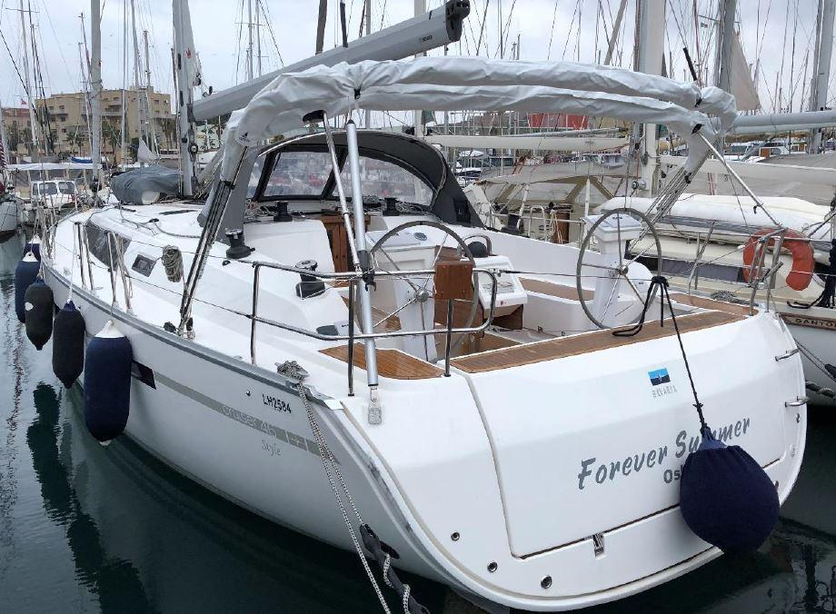 2018 Bavaria Cruiser 46 Style Aft view port