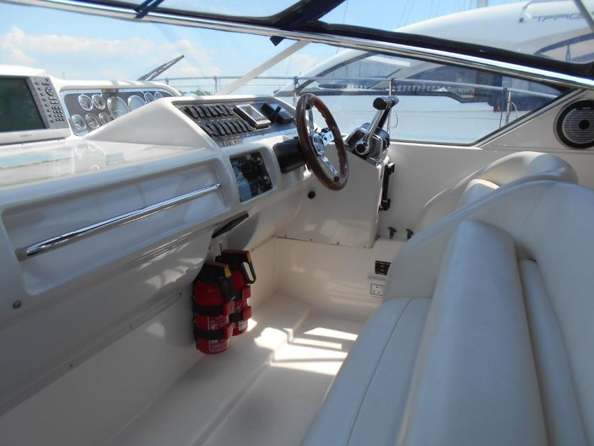 1998 Windy Scirocco 32 Helm Seating