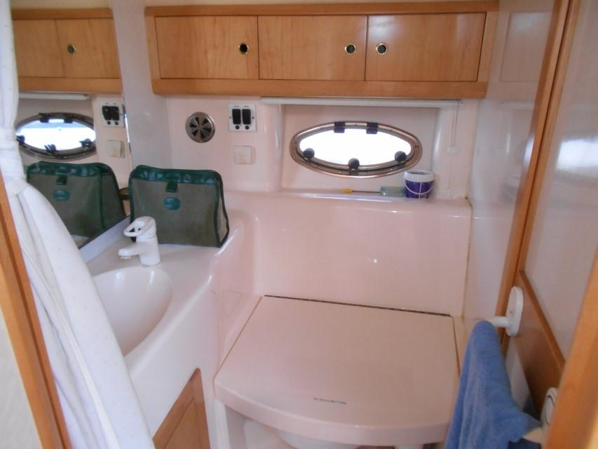 1998 Windy Scirocco 32 Heads/Shower