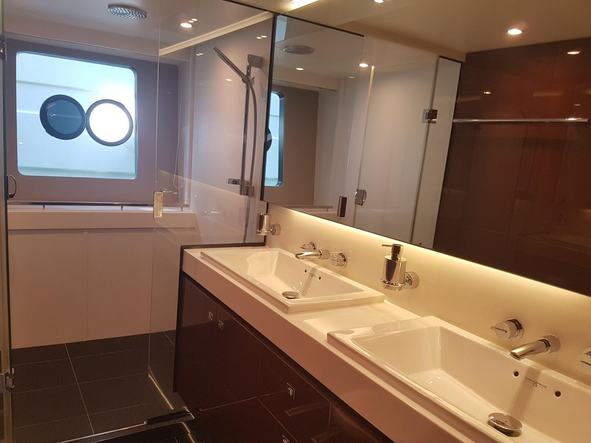 2013 Princess 72 Motor Yacht Luxury bathroom