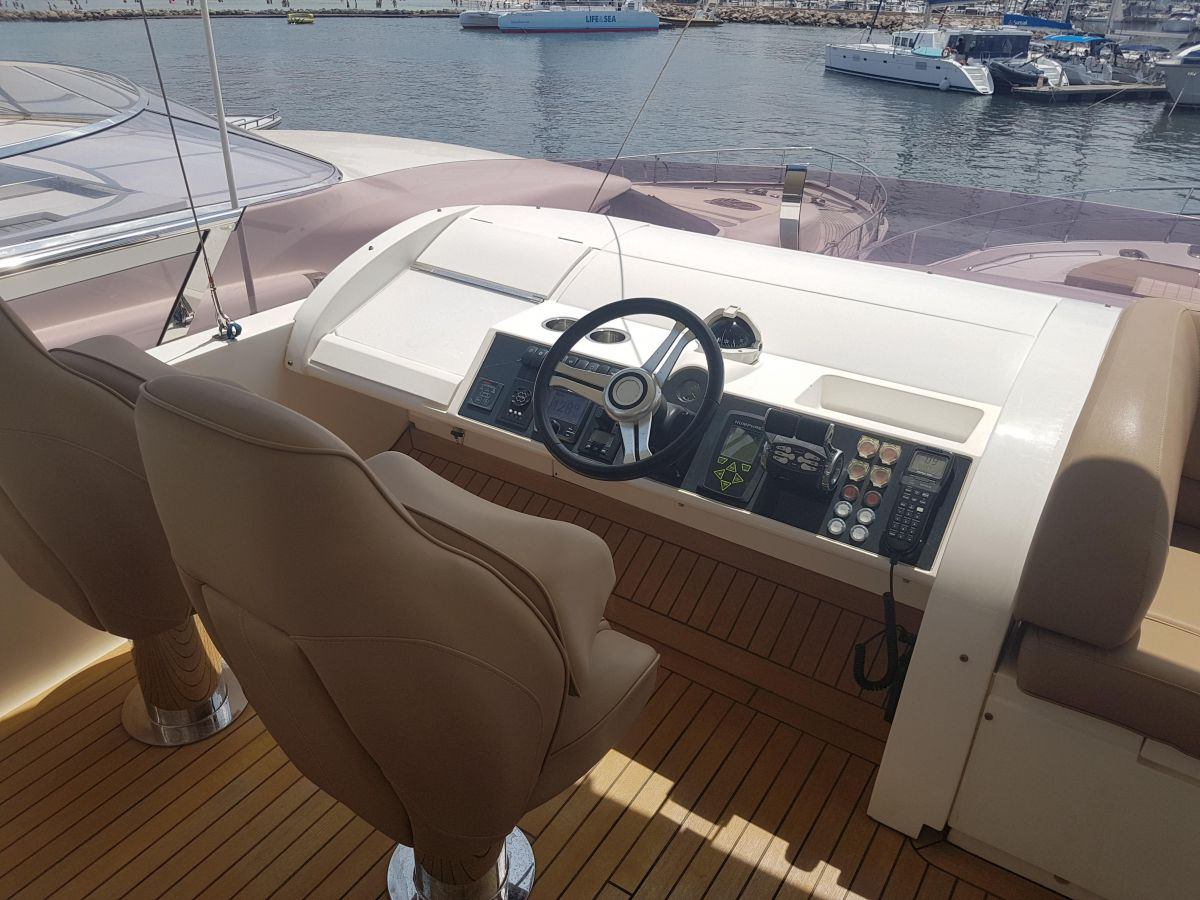 2013 Princess 72 Motor Yacht 360º view
