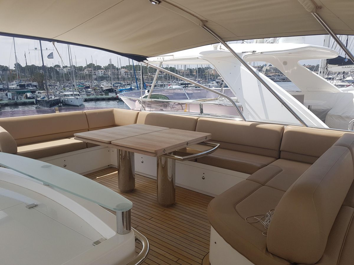 2013 Princess 72 Motor Yacht Flybridge