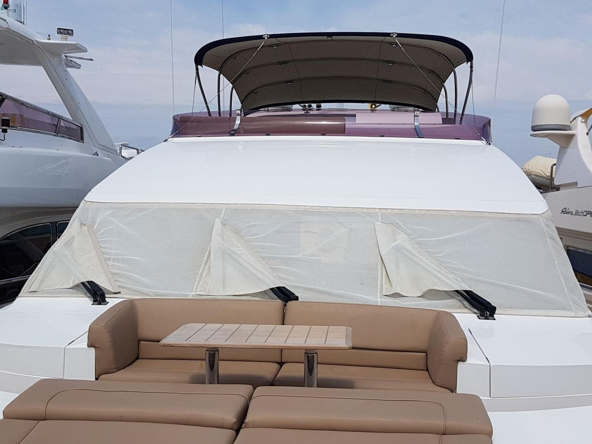 2013 Princess 72 Motor Yacht To enjoy the sea breeze