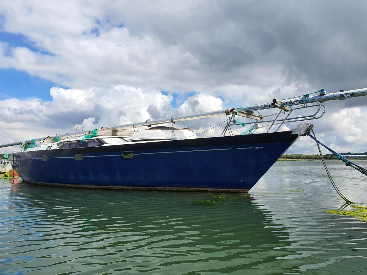 2003 Oyster 49 for sale in Poole by Clipper Marine Spain