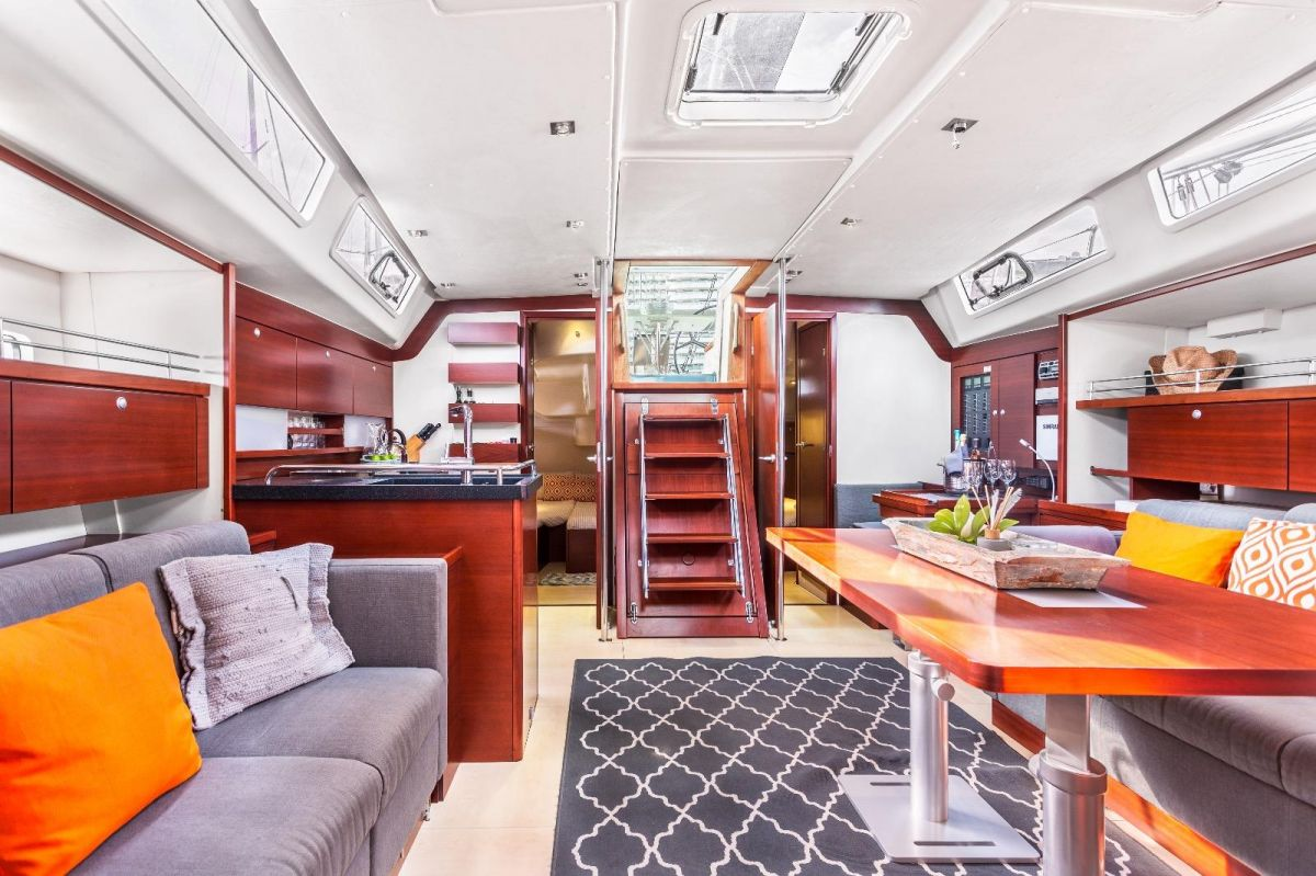 2007 Hanse 540e Below deck
