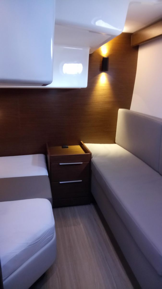 2017 Bavaria S33 Open bench & small cabinet in aft cabin