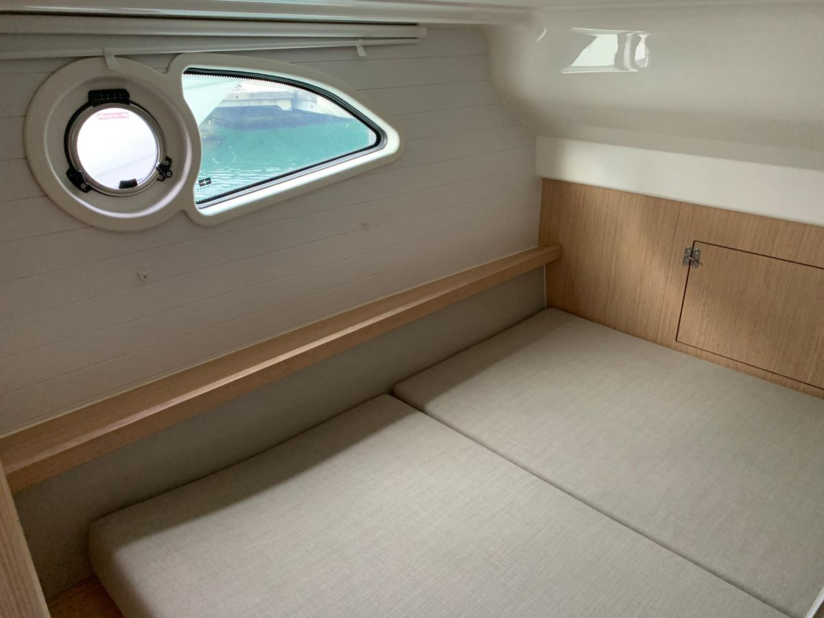 2018 Bavaria E34 Fly Aft cabin with double berth