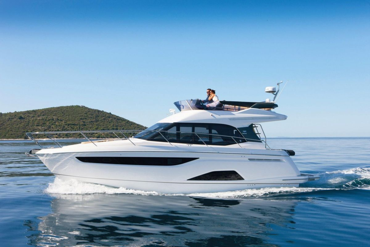 2021 Bavaria R40 Fly for sale in Palma de Mallorca by Clipper Marine Spain