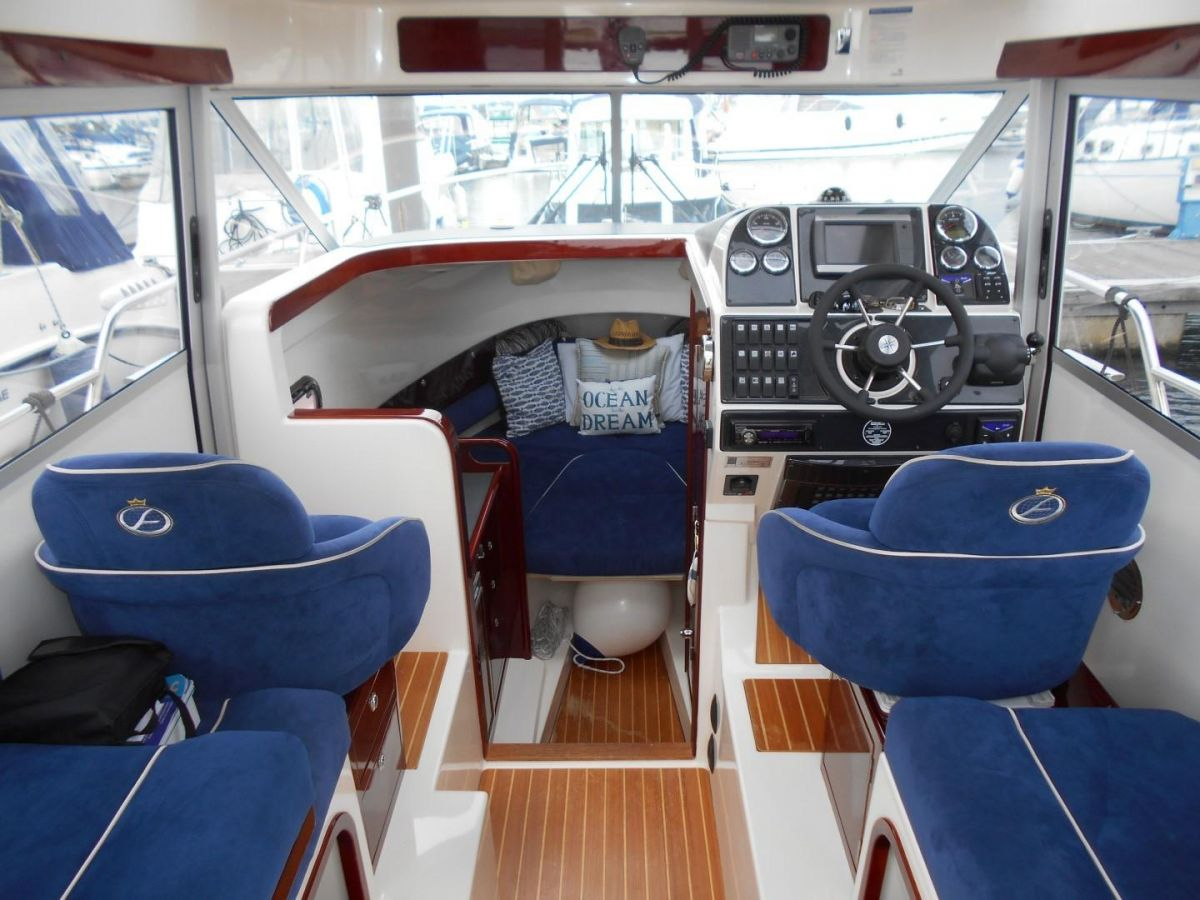 2011 Aquador 25ce Wheel House