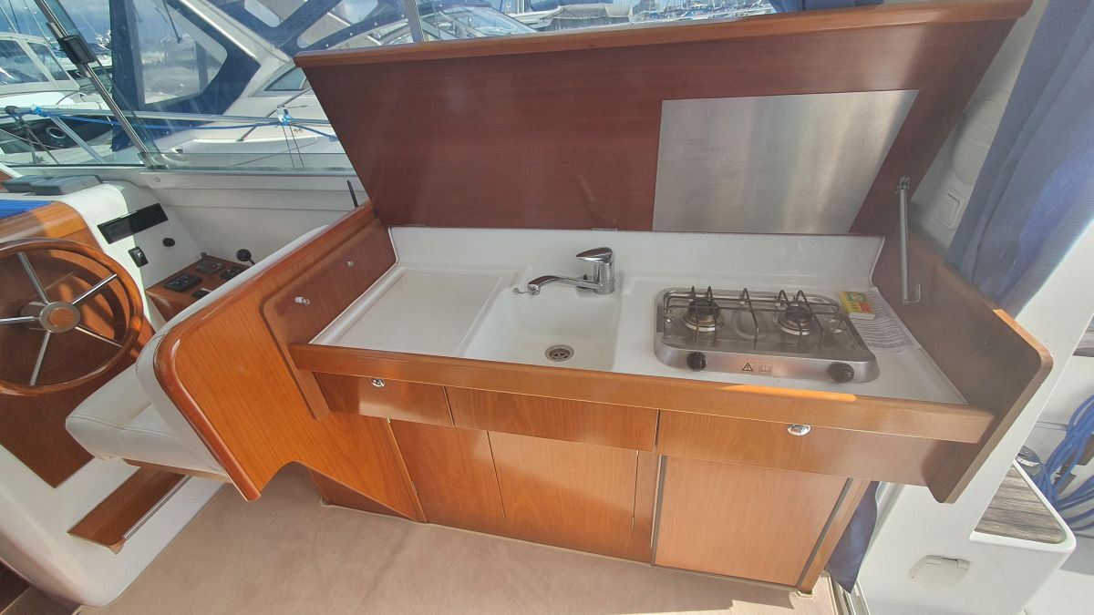 2006 Beneteau Antares 9 Galley