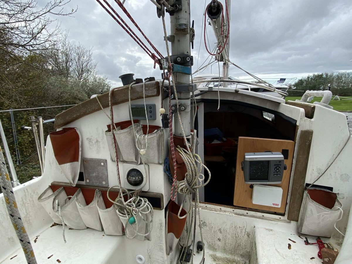 1983 Hunter Liberty 22 -