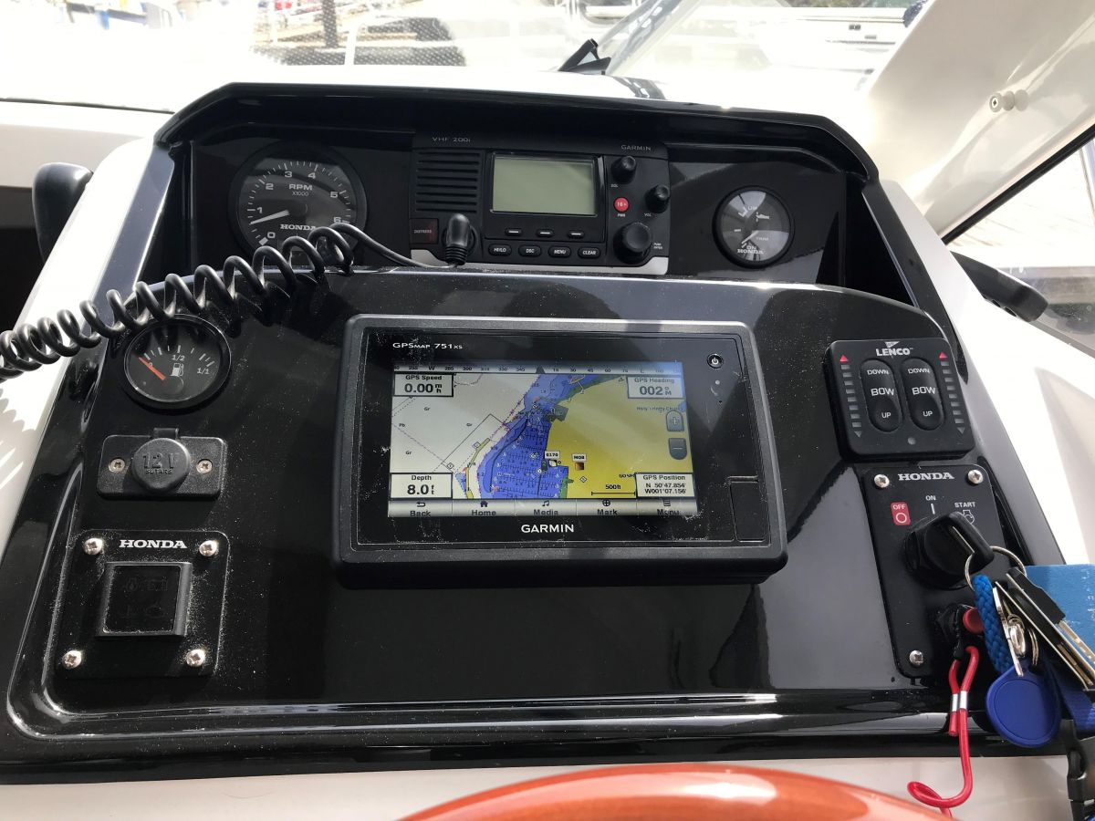 2014 Jeanneau Merry Fisher 755 Instrument panel