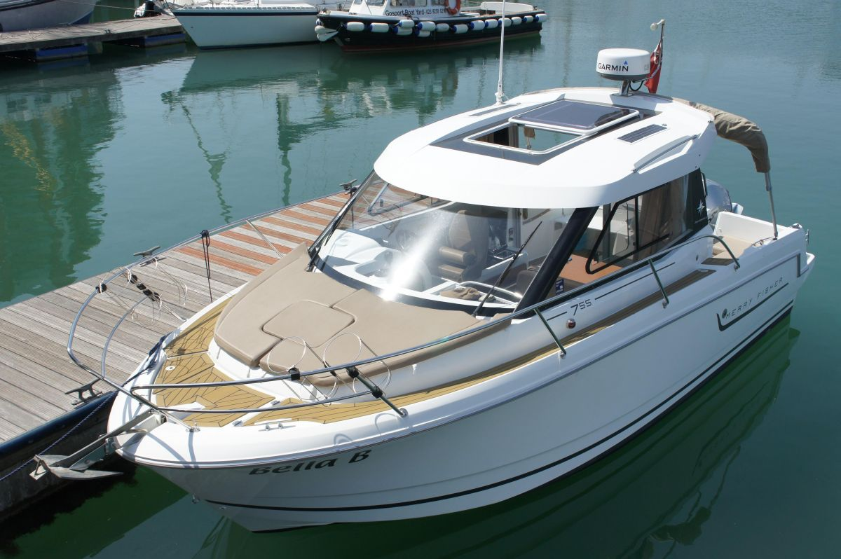 2014 Jeanneau Merry Fisher 755 for sale in Gosport by Clipper Marine Spain