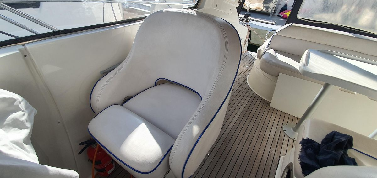 2010 Bavaria 33 Sport Very comfortable seats