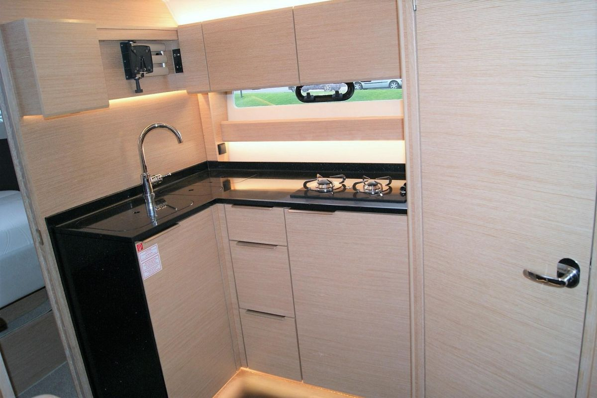 2017 Bavaria S36 Coupe Galley