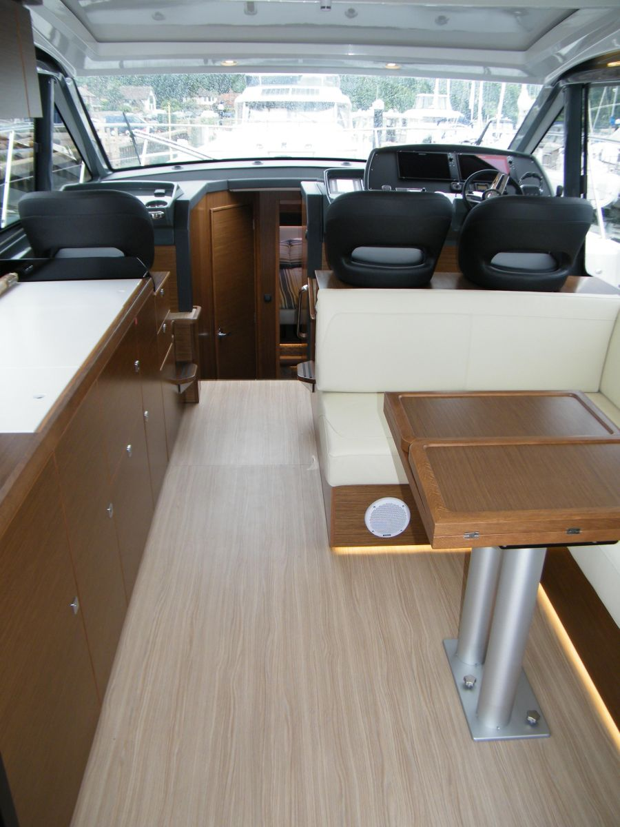 2020 Bavaria R40 Coupe Library photo