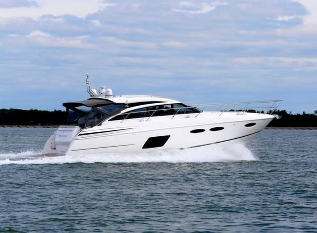 2014 Princess V52 for sale in Port Solent by Clipper Marine Spain