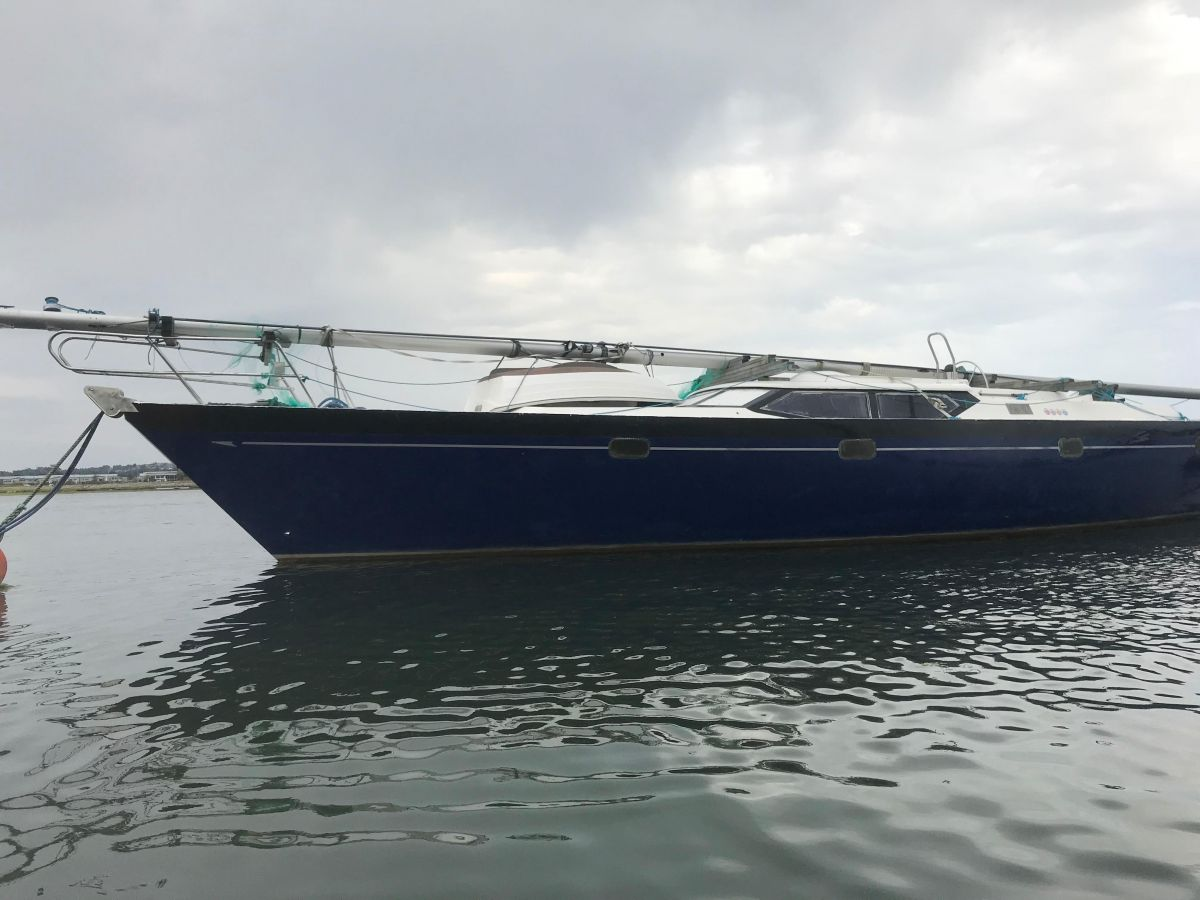 2003 Oyster 49 -