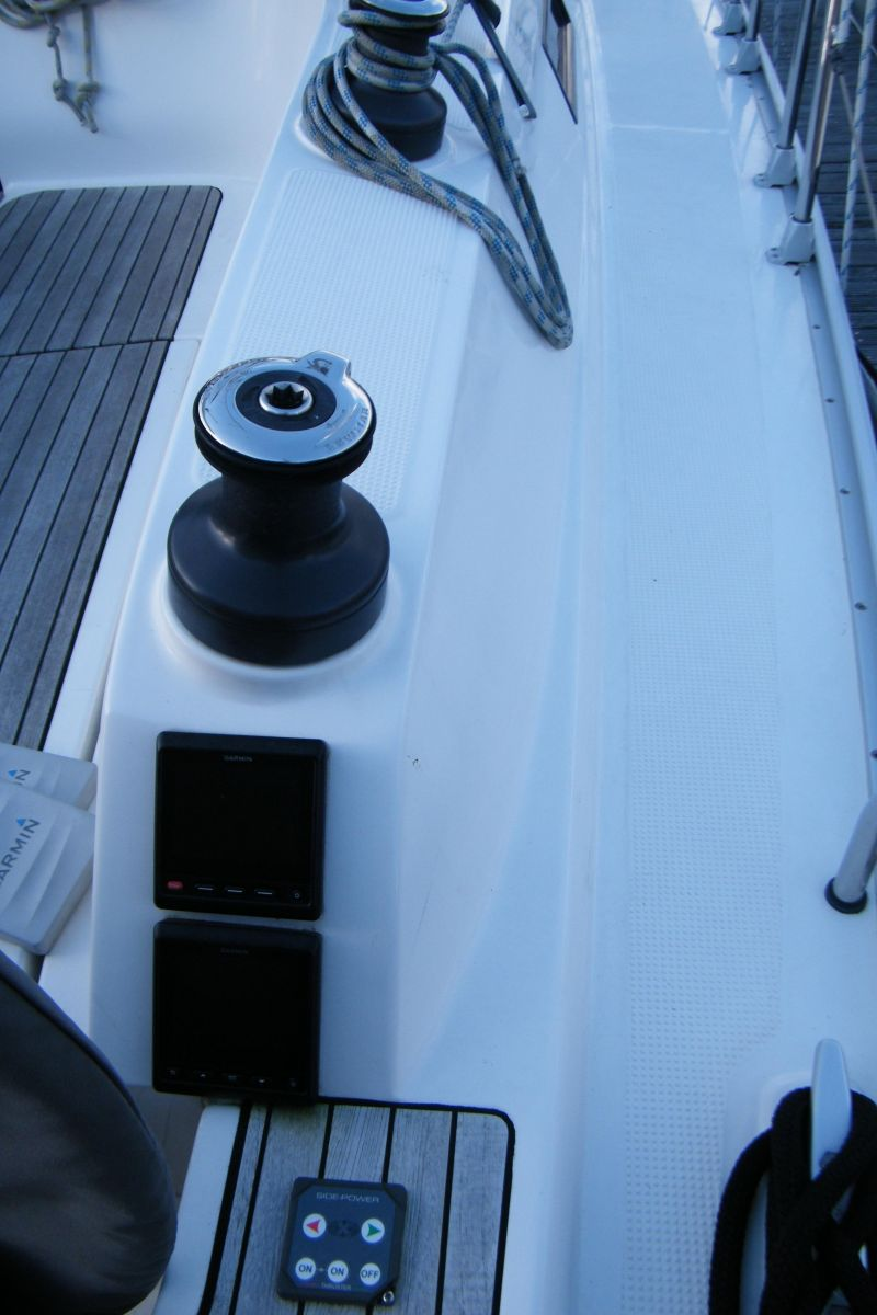 2014 Bavaria Cruiser 37 Cockpit