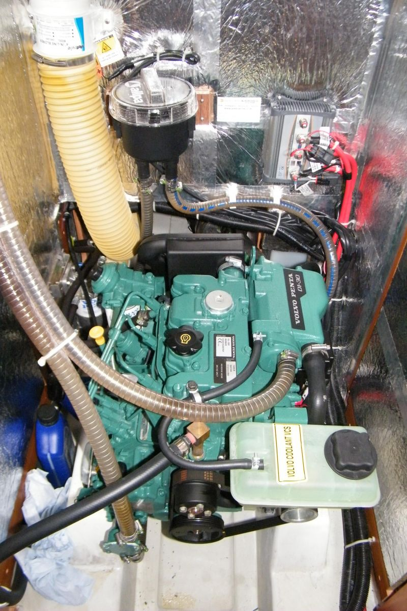 2014 Bavaria Cruiser 37 Engine bay