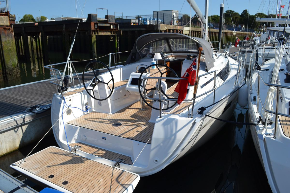 2020 Bavaria Cruiser 34 for sale in Swanwick by Clipper Marine Spain