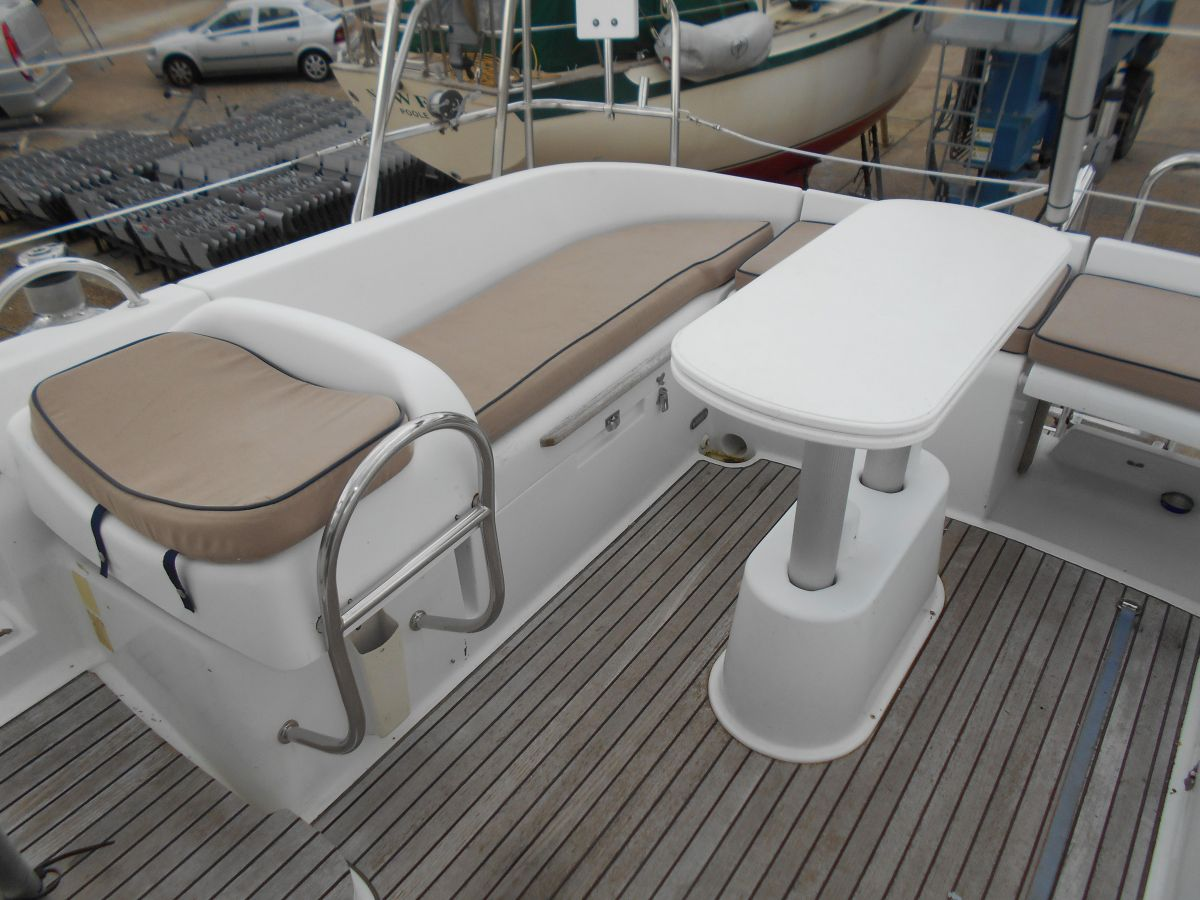 2004 Jeanneau Sun Odyssey 40 DS Starboard Side Cockpit Seating and Table