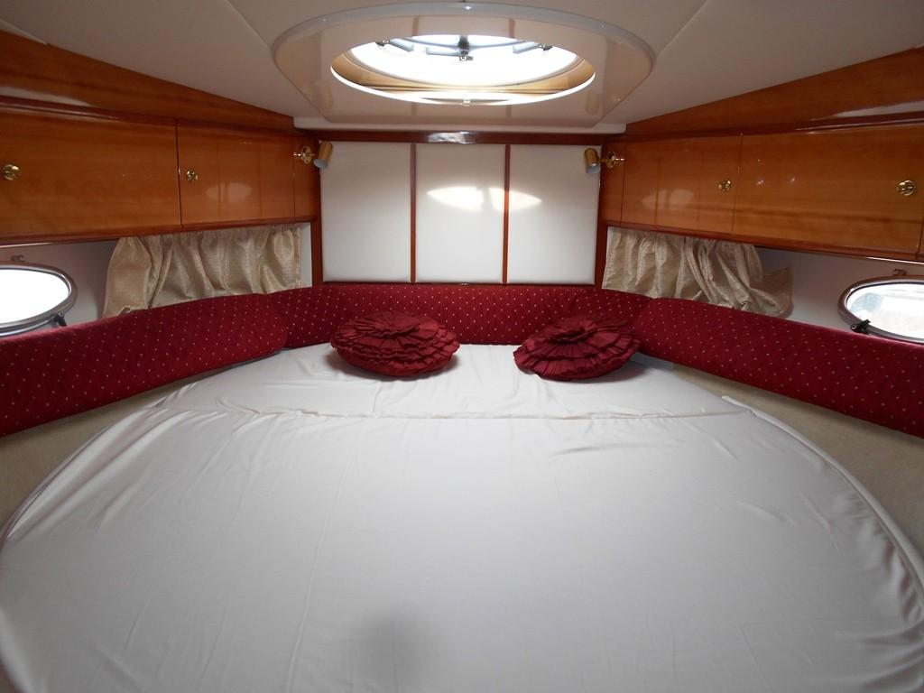 2002 Sessa Marine Oyster 40 Forward Cabin