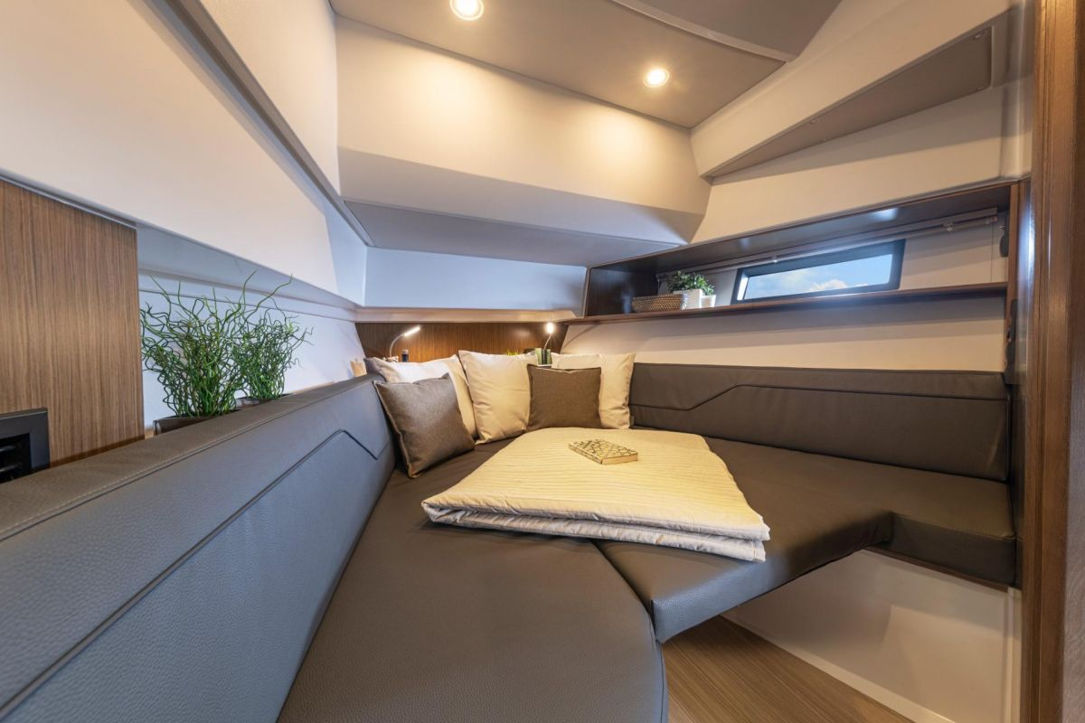 2021 Bavaria VIDA 33 HT Vida 33 - real model