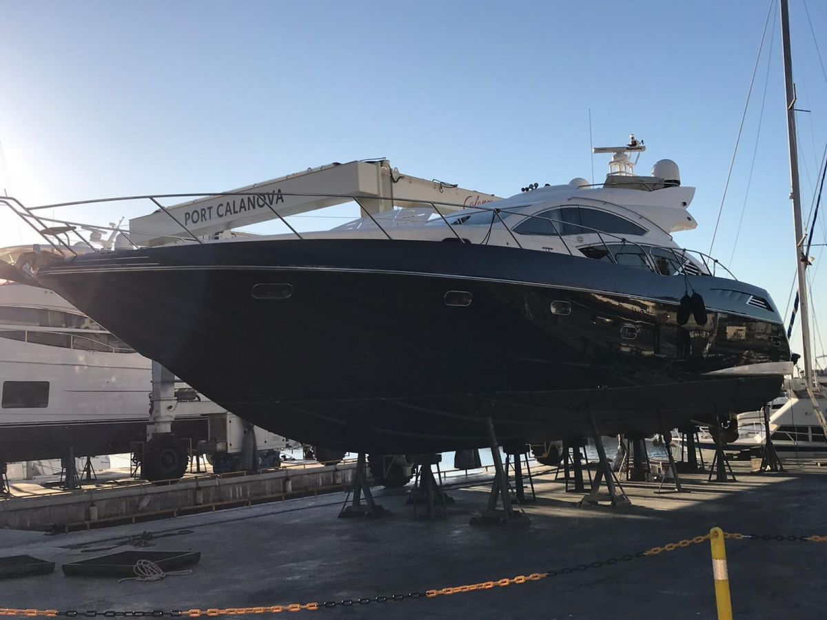 2010 Sunseeker Predator 74 Sportsfly 2020 on the dry dock