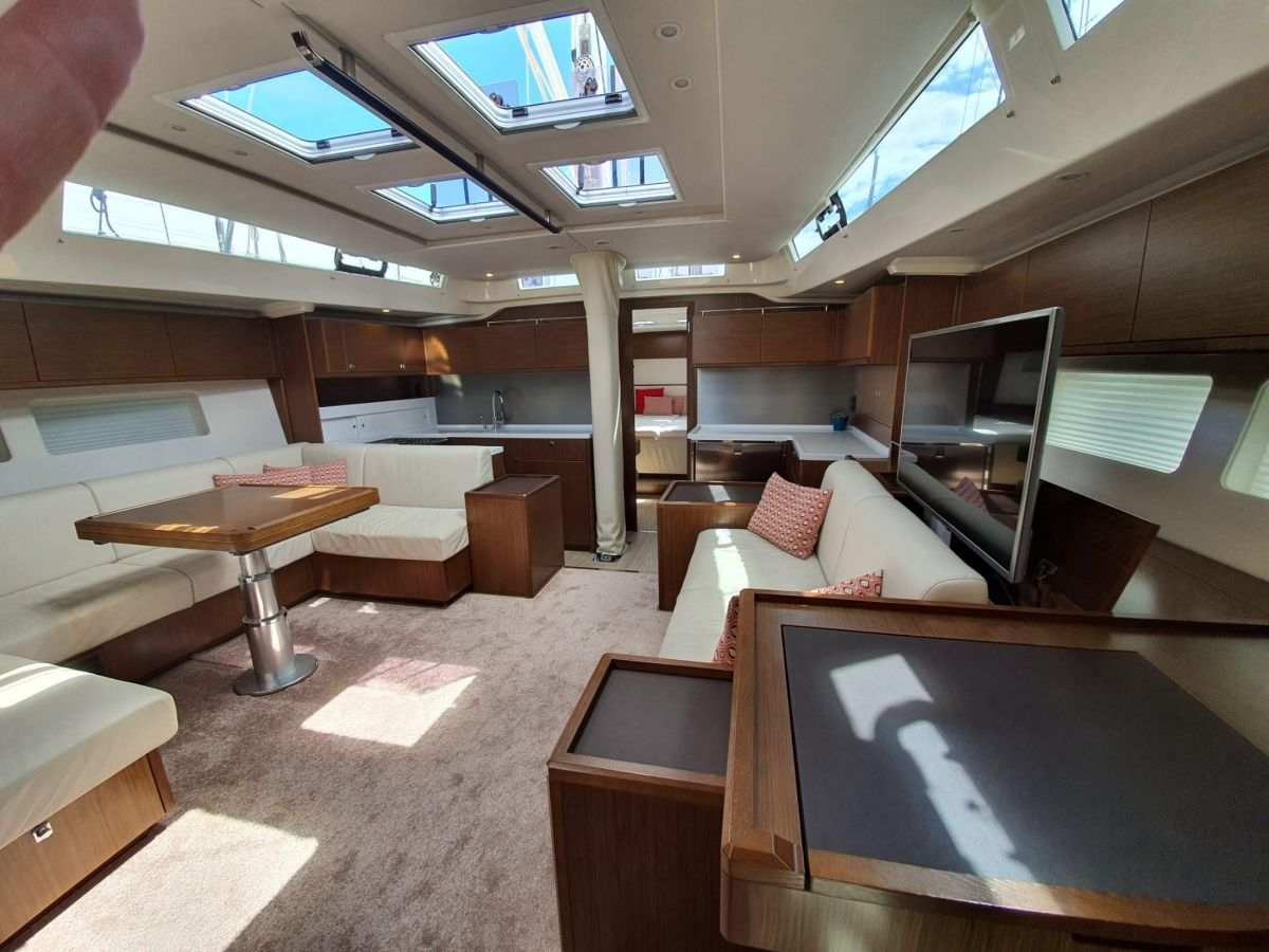 2017 Bavaria C57 Natural light in every corner