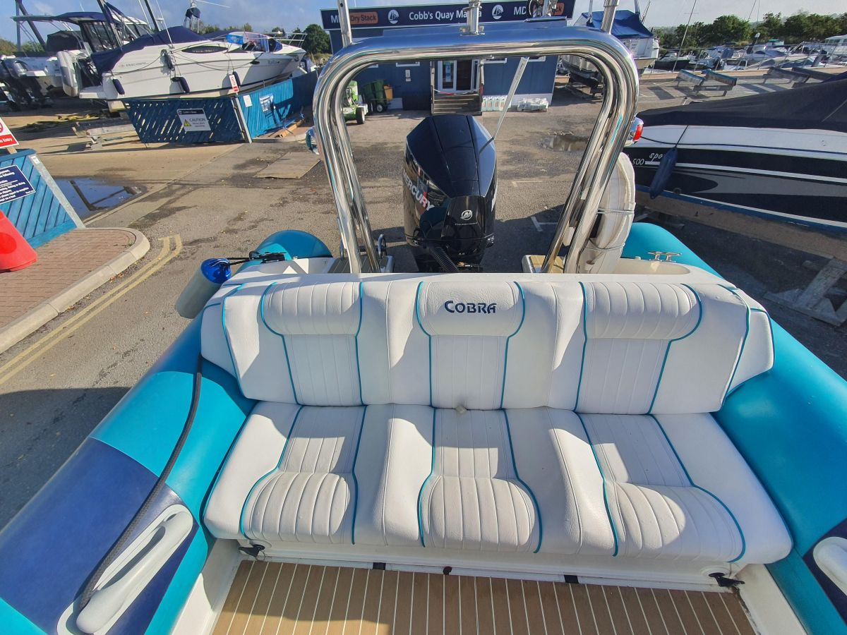 2004 Cobra Ribs Nautique  Bucket Seats