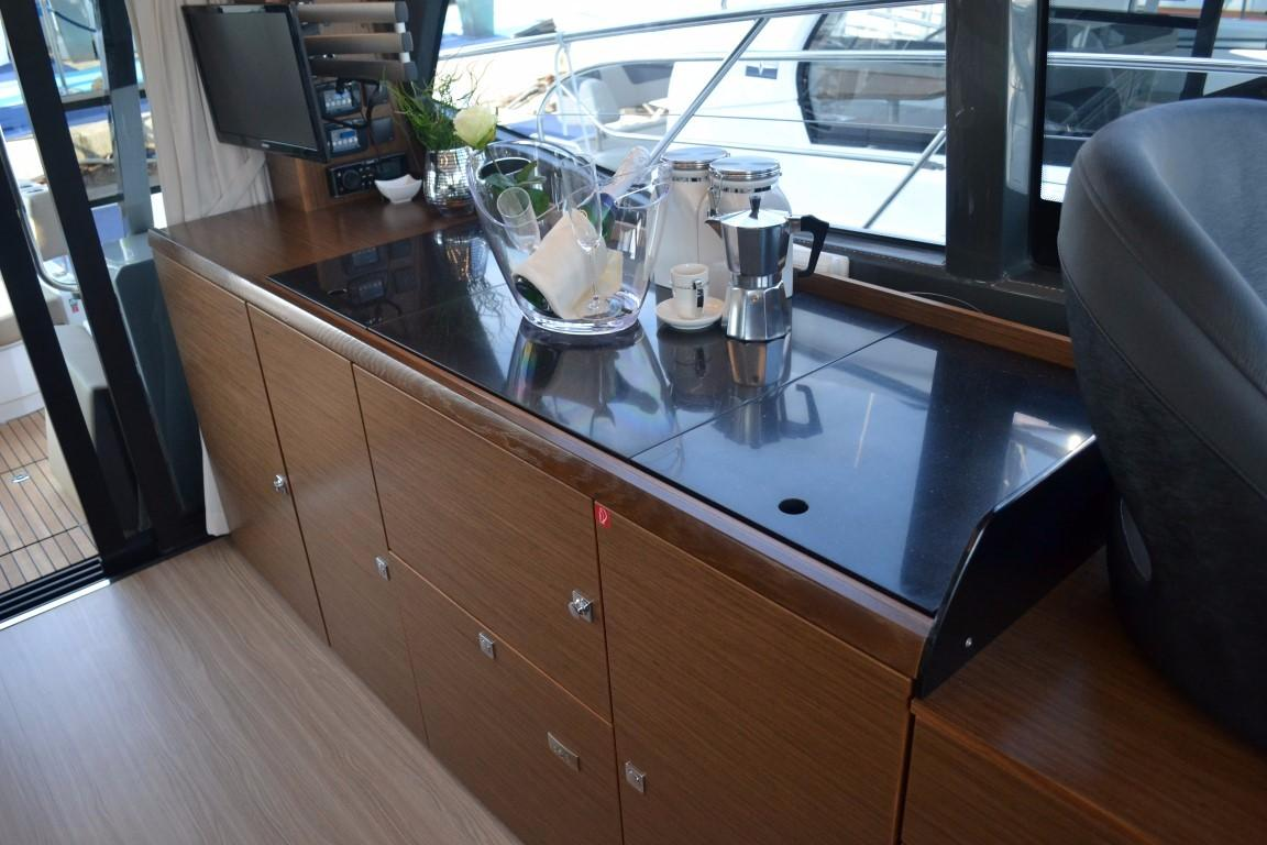 2018 Bavaria R40 Fly Galley sideboard of similar vessel