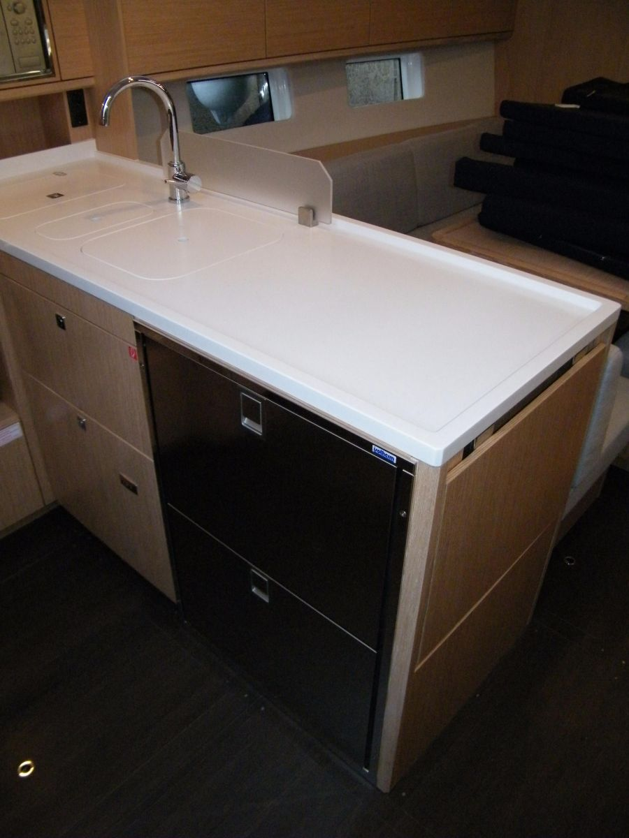 2018 Bavaria C45 Style Galley