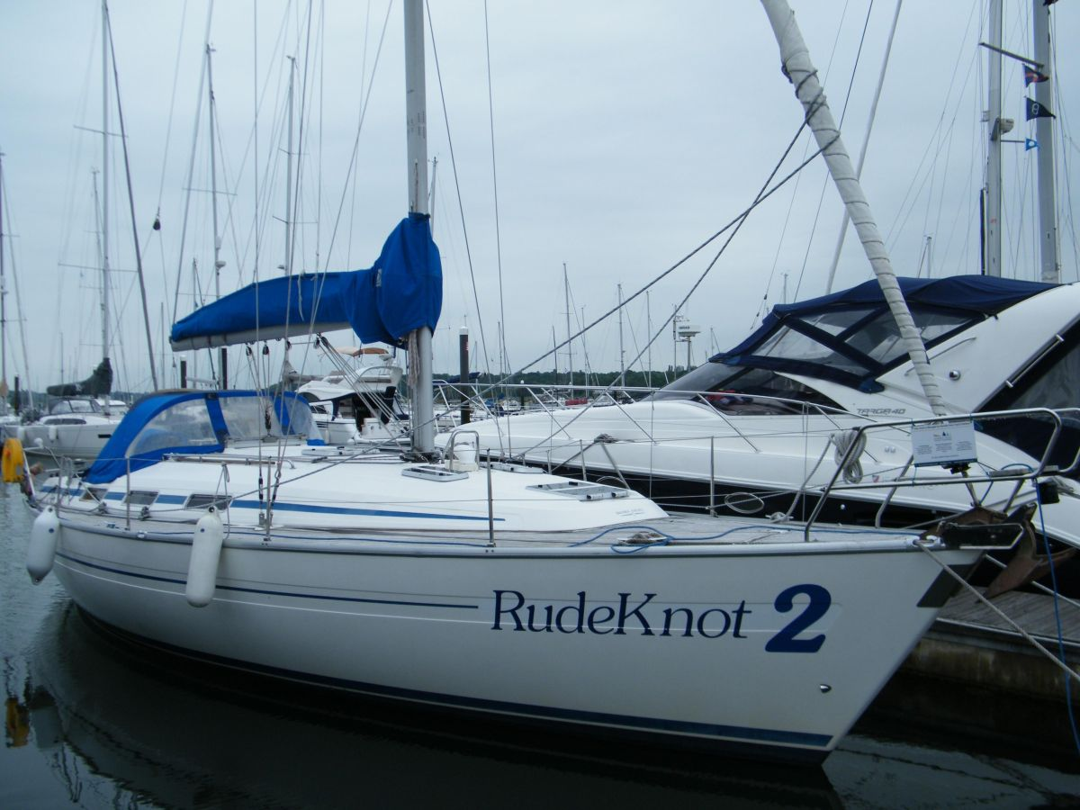2000 Bavaria 38 for sale in Portland by Clipper Marine Spain