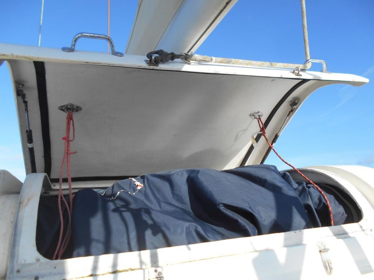 2006 Bruce Roberts Spray 45 Sail Locker within Bimini