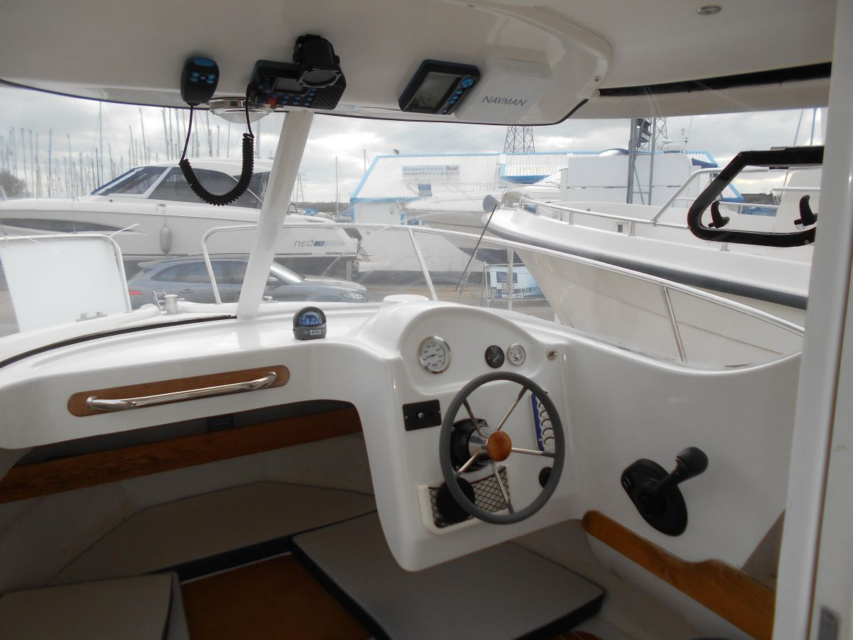 2005 Quicksilver 640 Pilothouse Wheelhouse