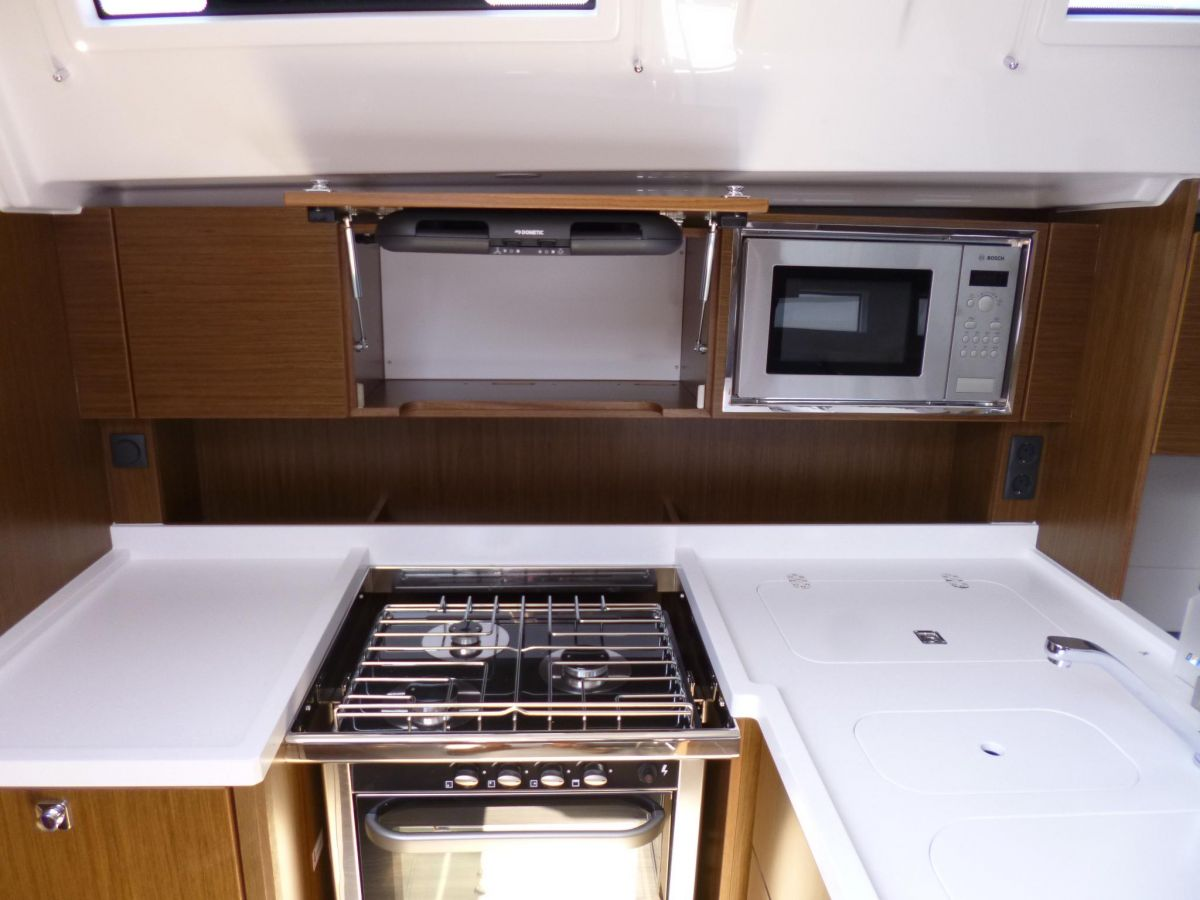 2020 Bavaria C45 Solid worktop surface in galley
