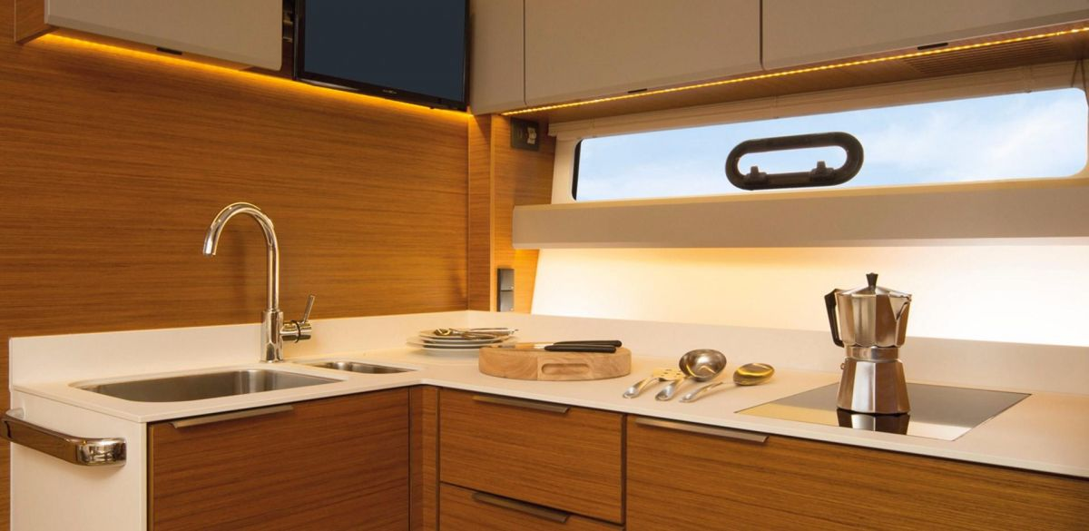2019 Bavaria S40 HT Manufacturer Provided Image: Bavaria Sport 40 HT Galley