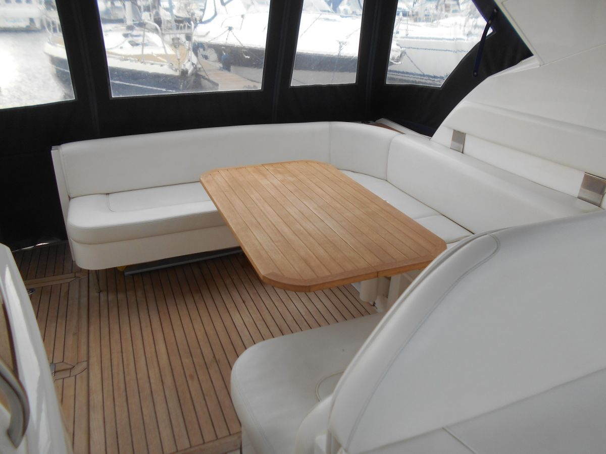 2007 Fairline Targa 38 Aft Cockpit Seating with Table