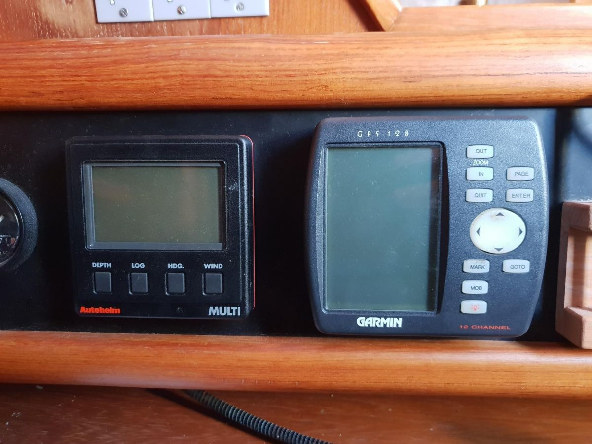 1992 Westerly Fulmar 32 Chart Table Instruments