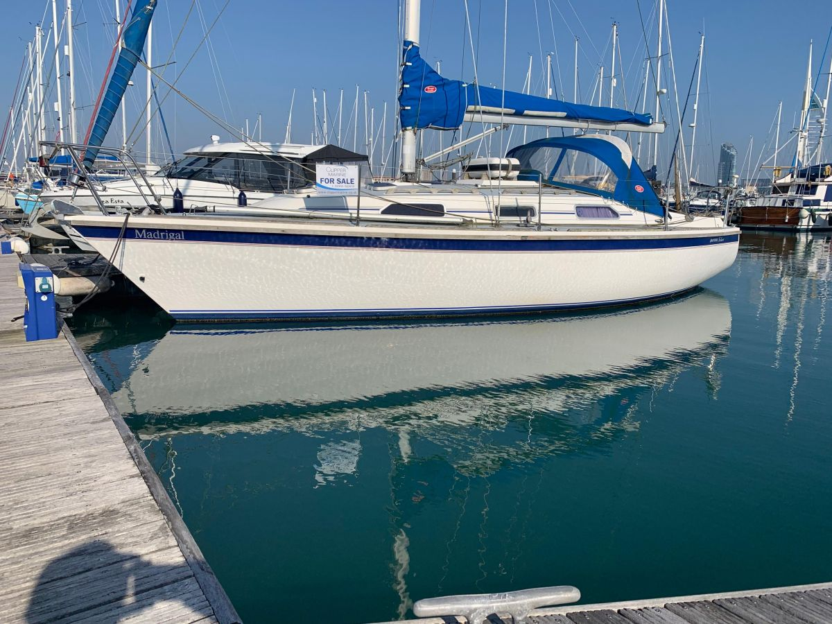1992 Westerly Fulmar 32 for sale in Gosport by Clipper Marine Spain